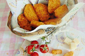 Biscotti salati al parmigiano e pomodoro