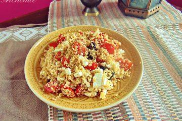 Cous Cous Mediterraneo con pomodorini, olive e feta